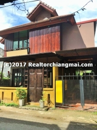 Guesthouse for sale in Wua Lai Rd., Chiangmai, Thailand.