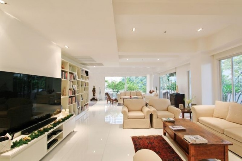 "Modern luxurious condominium for SALE at ""Narathorn Place"" Sathon, Bangkok, Thailand"