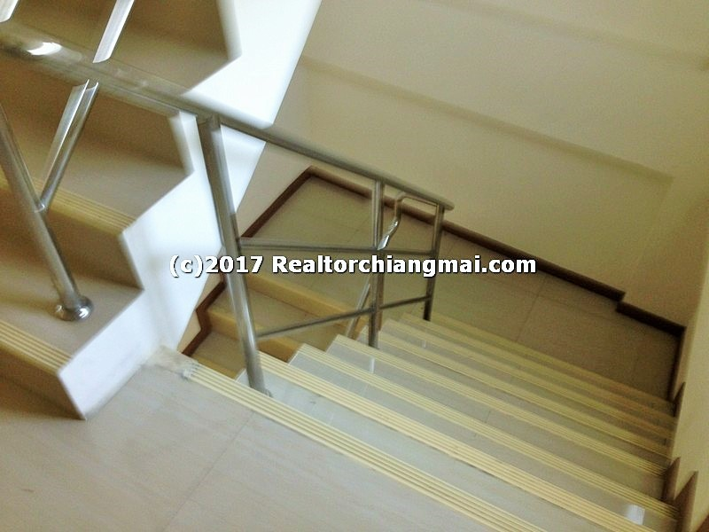 Business building for rent in San Kamphaeng, Chiangmai, Thailand.