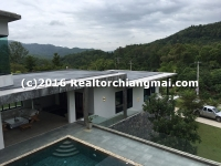Modern House and pool with nice mountain view for Rent in Chiang Mai, Thailand.