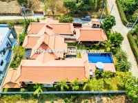 Lanna Style House for sale in Namprae, Hangdong, Chiang Mai.
