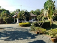 Resort for sale in Chiangmai. Hear the beautiful calls of nature surrounding this propery
