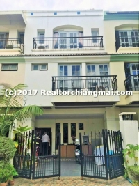 Townhouse in the city For rent, Chiangmai, Thailand.